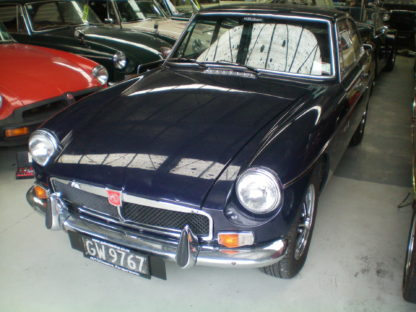 1974 MG MGB GT front